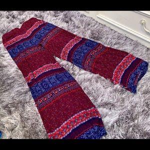 Stylish patterned wide leg pants